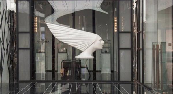 یک مرکز خرید در تهران که اجناسش را به یورو می فروشد!